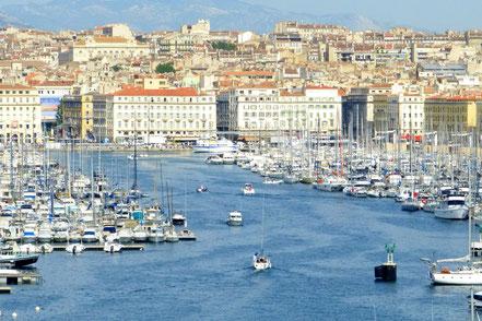 Bild: Blick auf den alten Hafen in Marseille