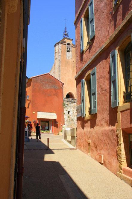 Bild: Blick auf Glockenturm Roussillon