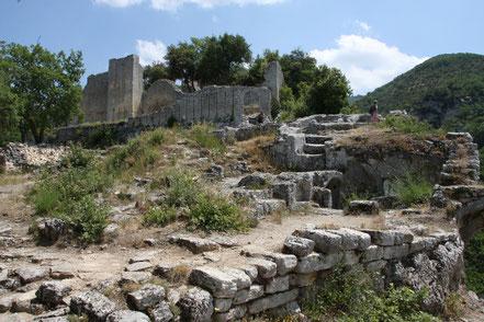 Bild: Burgruine im Fort de Buoux