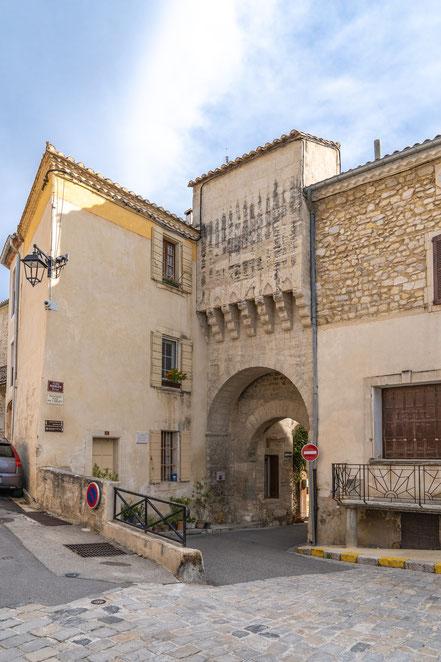 Bild: Boulbon im Bouches du Rhône, hier Porte Loriol
