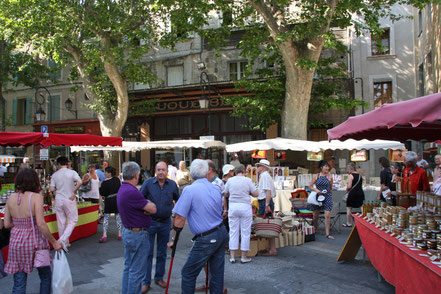 Bild: Markt in L´Isle-sur-la-Sorgue