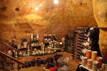 Bild: Geschäft in Roussillon im Felsenkeller