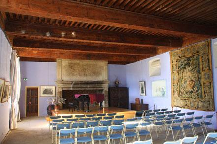 Bild: Speisesaal in Schloss Lourmarin