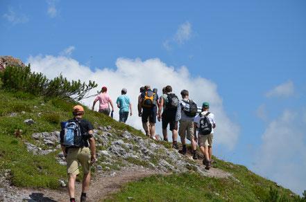 Bergwandern in Kitzbühel ist ein Programmpunkt im Vater und Sohn Urlaub
