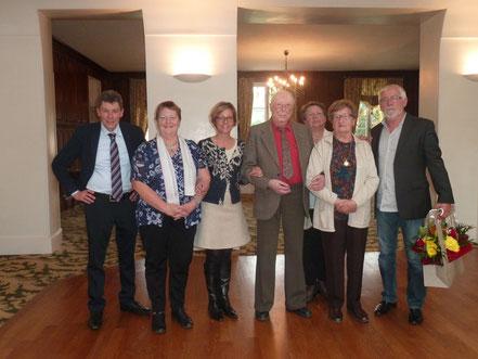 Pierre Yvan et Anne-Marie Fuchs, les doyens de cette journée, mis à l'honneur, en présence des membres du CCAS.