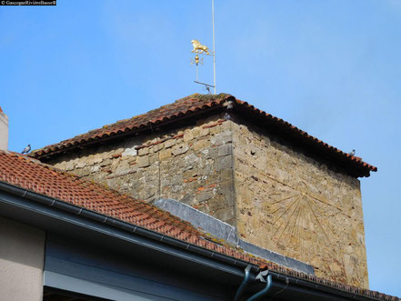 Tour médiévale de la bastide de plaisance du gers prince noir 1355