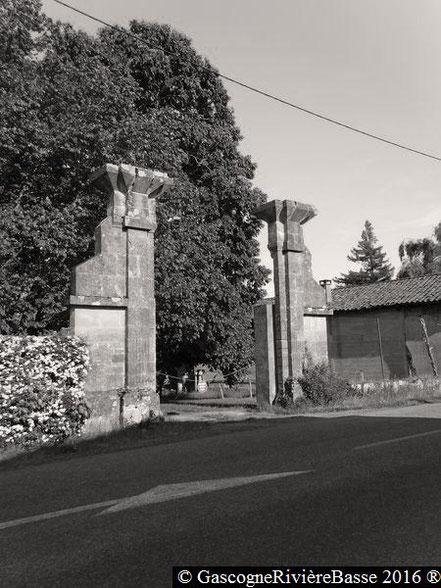 Portail château d'Espagnet Ladevèze-Ville Gers
