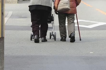 変形性股関節症は高齢者に多い