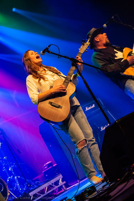 zoee, singer, songwriter, zoee & the band, zoee, tour, take me away tour, zoee, country music, country singer songwriter, country UK music,