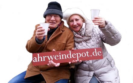 Sehr große Ahr-Weinauswahl und Glühwein in der Ahr-Vinothek im Ahrweindepot am Ahrweiler Marktplatz.