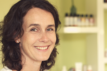 Simone Scheuner, sasana Massage- & Klangpraxis in Muhen