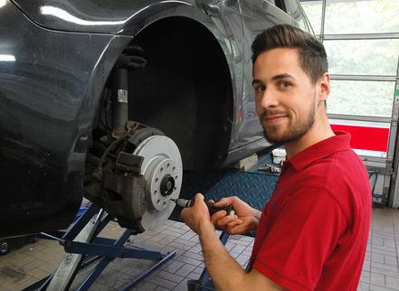 Boll Karosserie- und Fahrzeugbau - Peter Boll