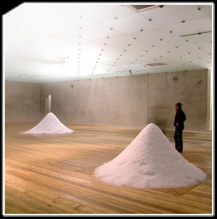 Schnee und Eis goes Art. Unzählige Möglichkeiten liegen im Schnee und Eis verborgen: von Ausstellungen mit einzigartigen Schneeskulpturen bis hin zu Kunstprojekten, die Schneefall oder Schneelandschaften integrieren – wir von Snow-Industries verhelfen sol