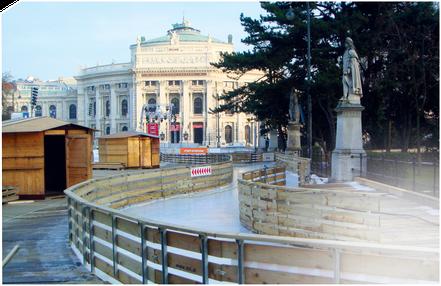 Perfektes Gleiten auf Profi-Eis von Snow-Industries. Wenn Eisbahnen besonders schnell errichtet werden sollen oder Eisflächen bei Profirennen großen Belastungen standhalten müssen, dann heißt es für uns: Ice it, SnowBOX! Dieses innovative System mit seine