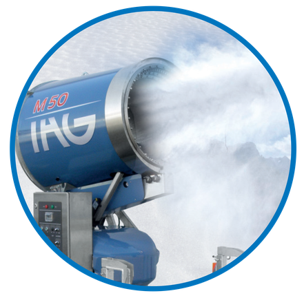 Die innovativen SnowGUN Schneekanonen von Snow-Industries punkten nicht nur mit einer enormen Schneileistung, sondern auch mit einem frühen Schneibeginn im Grenztemperaturbereich.