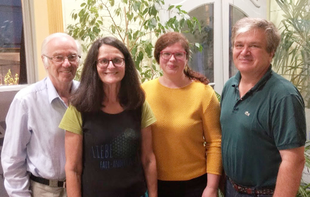 Neu gewählter Vorstand des Weltladens Hollabrunn: v.l.n.r: Rudi Molterer (Kassier), Romana Haftner (Schriftführerin), Susi Langer (Obfrau), Heinz Wagesreiter (Obfrau-Stellvertreter