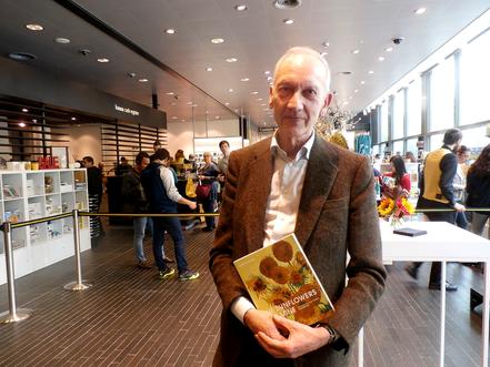 Hello Radio interview met Van Goch expert Martin Bailey