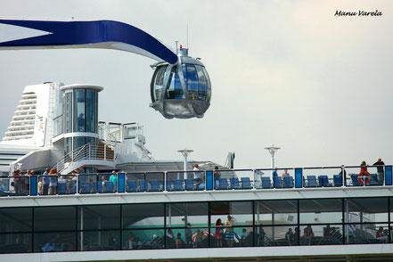 Cúpula mirador, que se eleva 90 m sobre la cubierta