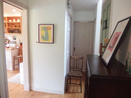 玄関からカフェへの入口
