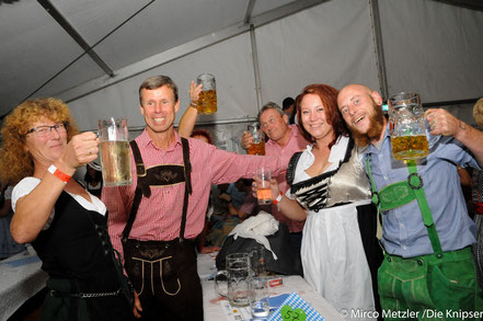 Die 500 Gäste ließen sich natürlich auch das Bier schmecken.
