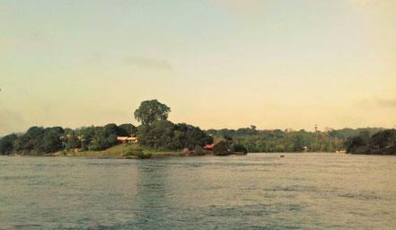 (Camopi vue depuis Vila do Brasil. Crédit photo : Mylène C.)