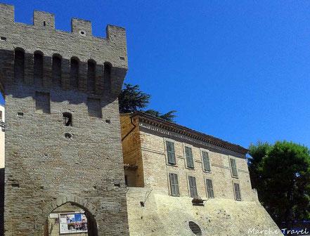 Macerata, Porta Montana e mura quattrocentesche