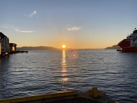 Sonnenuntergang am Hafen in Bergen.