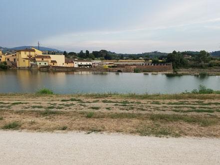 Der Arno - im Vordergrund der Radweg nach Florenz