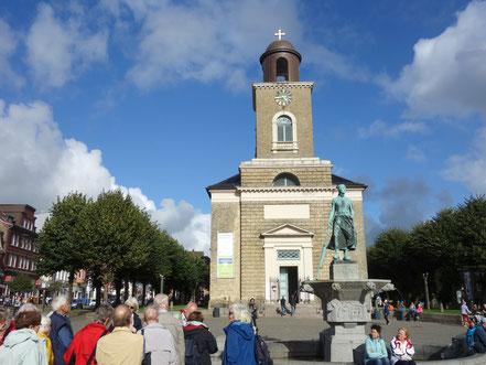 St. Marien Kirche und Tine-Brunnen
