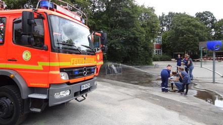Wasser marsch bei der Feuerwehr