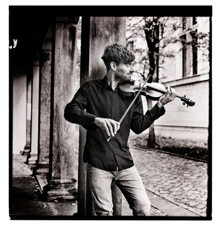 Leo Clemens - violin lessons, violin studies, violin classes, violin teacher in Berlin Mitte, Musikkapelle Berlin