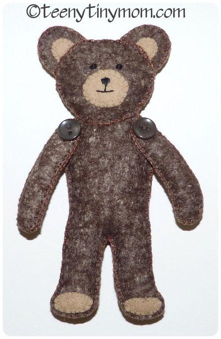 Quiet Book Teddy aus Filz Nähanleitung Schablone