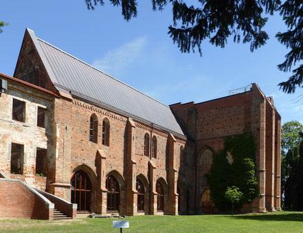 Foto: Dargun, Klosterkirche von außen, Sommer 2016