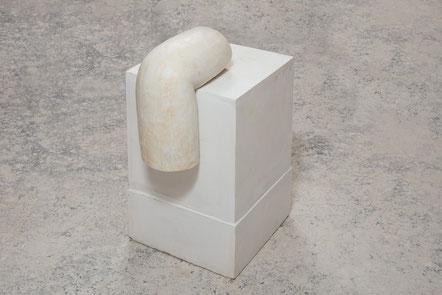 ROUVEN DÜRR, Uhl, Beton, 2017, 45x25x15cm