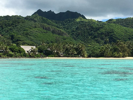 Rarotonga mountains, blue lagoon, palm island fringe, See Cook Islands,