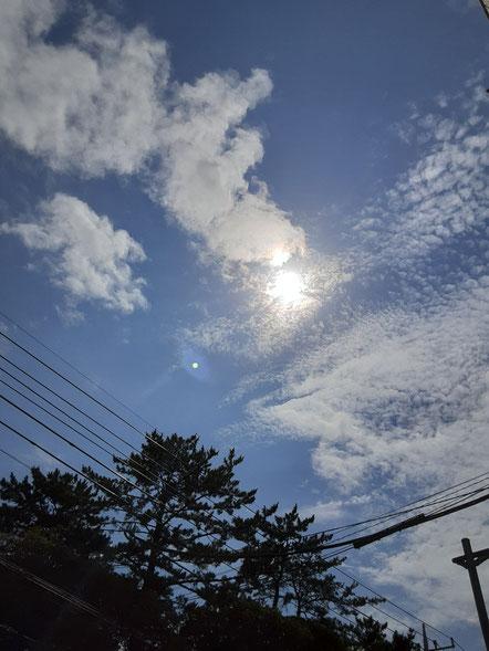 お店から見える空の写真