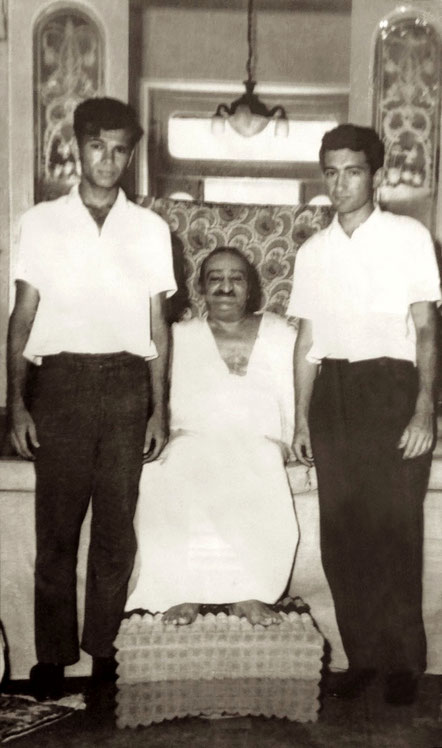 1961 : Edward ( left ) and Irwin ( right ) of Meher Baba at Guruprasad, Poona, India. Photo taken by Bhikubhai Panarkar of Meelan Studios, Poona, India.