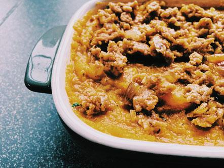Pompoenlasagne met kipgehakt en peterseliepesto