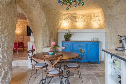 chambre-gite-troglo-rocher-habitat-insolite-traditionnel-original-Noizay-Amboise-Touraine-AOC-Vouvray-vignoble