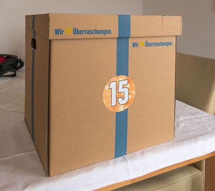 © Traudi - (Naja, das Paket war wohl etwas zu groß. Da hätte noch mehr reingepasst) :-)