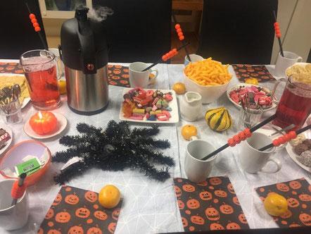 Allerlei Leckereien gab es beim Halloween-Fest der Caritas