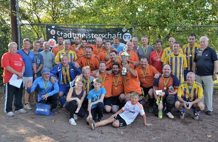 Stadtmeister 2014 der SV Niederbexbach. Vize-Meister die DJK Bexbach in gelben Trikots