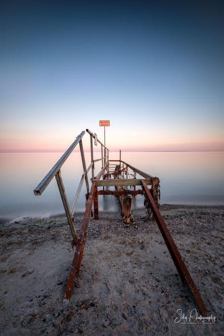 Lensterstrand / Grömitz, Ostsee, Steg, Sonnenuntergang, Langzeitbelichtung, 2018, © Silly Photography