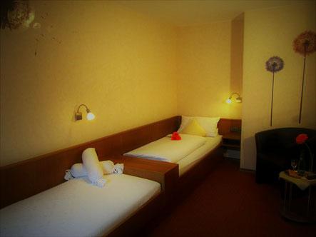 Zweibettzimmer im Landgasthof Bieger in Franken