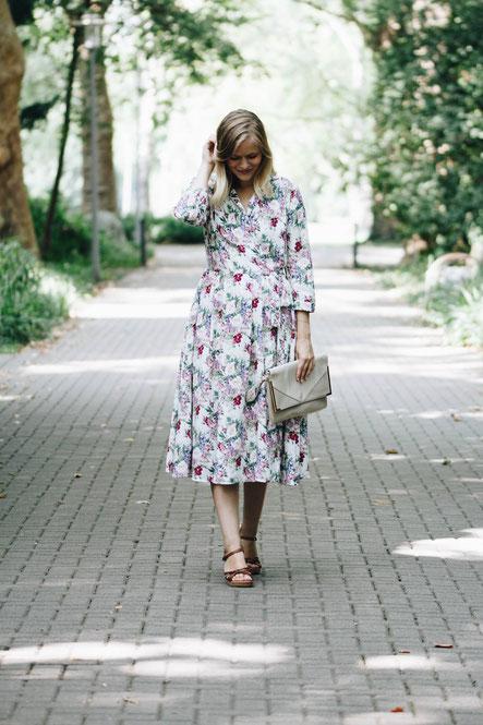 Ein tolles, kostengünstiges Kleid für Trauzeuginnen und Hochzeitsgäste und weitere Tipps und Tricks rund um's Heiraten.