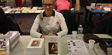 L'auteur Amélie Louis au Salon du Livre de Vierzon 2017