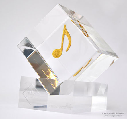 Scultura-premio in plexiglass con nota musicale - design custom