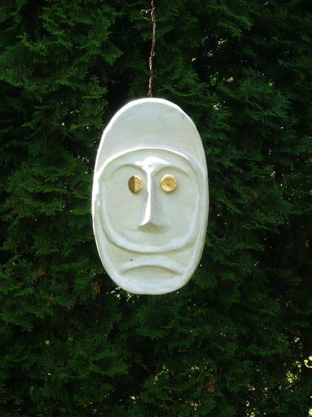 """""""Maske mit goldenen Augen"""" Ton  Höhe 30 cm"""