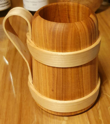 Holz-Bierkrug