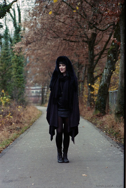 image: nina luca, sanctus clothing, sanctus clothing the asylum coat, sanctus clothing asylum coat, asylum coat, vegan fashion, dark fashion blog, dark style blog, nugoth fashion, nugoth, nu goth, nu goth blog, swiss fashion blogger, swiss blogger